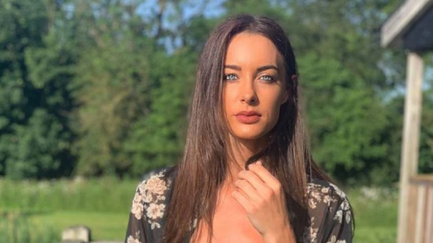 Muere la 'youtuber' Emily Hartridge tras un accidente en patinete eléctrico